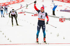 Maxim Vylegzhanin inn til seier på hjemmebane under verdenscupen i Rybinsk, Russland 2015. Foto: Laiho/NordicFocus.