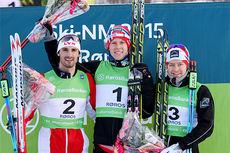 Seierspallen på 15 km fristil under NM på Røros 2015. Fra venstre Hans Christer Holund (2. plass), Anders Nøstdahl Gløersen (1) og Sjur Røthe (3). Foto: Geir Nilsen/Langrenn.com.