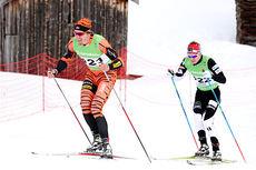 Lars Berger i front på vei mot 14. plass på 15 km fri under NM på Røros 2015. Like bak følger Sjur Røthe som ble nummer 3 i mål. Foto: Geir Nilsen/Langrenn.com.