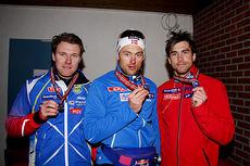 Strindheim ILs gutter med gullmedaljene fra NM-stafetten 2015 på Røros. Fra venstre: Lars Ove Aunli, Petter Northug og Tomas Northug. Foto: Geir Nilsen/Langrenn.com.