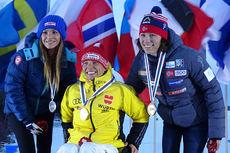 Medaljevinnerne på 5 kilometer klassisk sittende under VM for funksjonshemmede i Cable, USA. Fra venstre: Oksana Masters (2), Andrea Eskau (1) og Mariann V. Marthinsen (3). Foto: Anne Ragnhild Kroken.