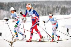 Silje Theodorsen er en av Team Veidekke Nord-Norges løpere. Her er hun flankert av svenskene Anna Haag (venstre) og Emma Wiken under verdenscupen på Lillehammer 2014. Foto: Felgehauer/NordicFocus.