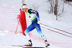 Simen Østensen kledd i Team AKTIV mot kreft sin skidress under NM på Røros 2015. Foto: Geir Nilsen/Langrenn.com.