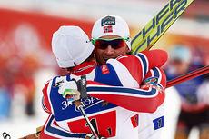 Konkurrentene var sjanseløse mot Finn Hågen Krogh (nærmest kamera) og Petter Northug på lagsprinten under Falun-VM 2015. Foto: NordicFocus.
