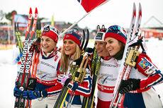 Norges gulljenter fra VM-stafetten i Falun 2015. Fra venstre: Astrid Uhrenholdt Jacobsen (3. etappe), Therese Johaug (2), Marit Bjørgen (4) og Heidi Weng (1). Foto: NordicFocus.