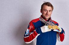 Petter Northug med gullene fra sprint, lagsprint og stafett under VM i Falun 2015. Foto: NordicFocus.