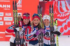 Topp 3 på 30 kilometer klassisk under VM i Falun 2015. Fra venstre: Marit Bjørgen (2.-plass), Therese Johaug (1) og Charlotte Kalla (3). Foto: NordicFocus.