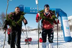 Thomas Andersen (Team Salomon) og Lars Christian Vold (National Geographic Channel) delte førsteplassen i Expedition Amundsen 2015 etter å ha brukt 22 timer og 33 minutter på de 100 kilometerne. Foto: Vilde Andrea Starup.