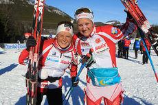Marthe Kristoffersen (t.v.) og Kathrine Harsem var godt fornøyde med sølv på lagsprinten under NM i Harstad 2015. Foto: Erik Borg.