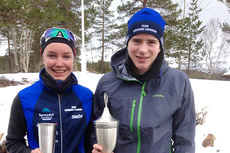 Ida Mogstad og Kristoffer Berset etter å ha vunnet 2015-utgaven av turrennet Nordmarksrunden. Foto: Surnadal IL.