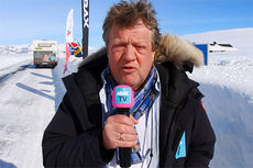 Erik Østli forteller om det nye anlegget som skal bygges opp på Valdresflye. Foto: Roy Myrland/Langsveien.no.