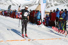 Astrid Øyre Slind inn til seier i Svalbard Skimaraton 2015. Arrangørfoto.