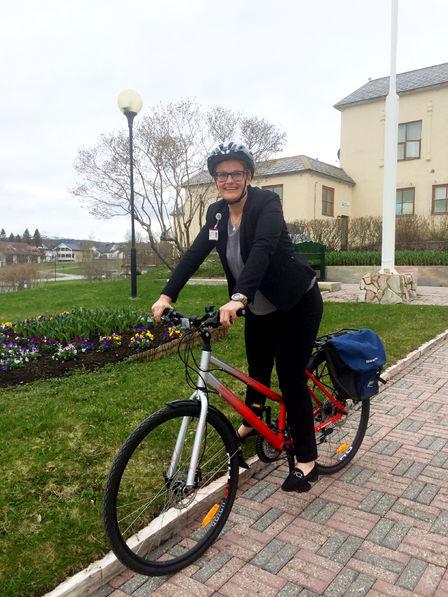Helsesøster mona storteig på sykkel