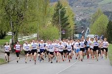 Starten i forrige utgave av Kanten Opp - Kantentesten - i et vårgrønt Lillehammer. Foto: Michael Eriksson.