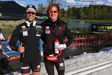 Ludvig Søgnen Jensen og Timo André Jensen etter 1.- og 2.-plass på skisprint i finske Jämsä i mai 2015. Foto: Privat.