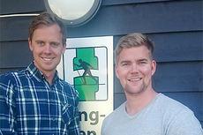 IL Heming sin sportssjef, Erlend Flaa Stokke, og nyansatt assisterende sportssjef i klubben, Håkon Stuge Bånerud. Foto: IL Heming.