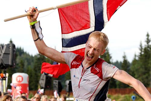 Olav Lundanes fra et av hans tidligere VM-gull. Foto: Geir Nilsen/Langrenn.com.