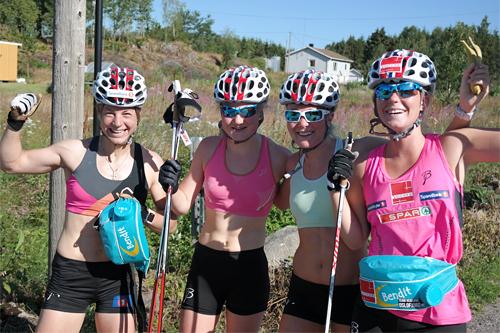 Damene som stilte i Team Veidekke Oslofjord sitt testrenn i Slagendalen juli 2015. Foto: Lars Christian Aabol.