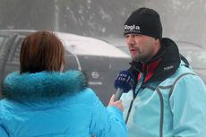 Uros Ponikvar intervjues i forbindelse med verdenscupen i Rogla. Foto: Hemmersbach/NordicFocus.
