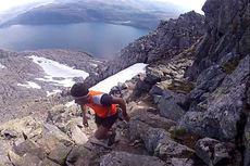 Rolf Einar Jensen under rekordløpet over fjellformasjonen De syv søstre. Skjermdump fra YouTube.