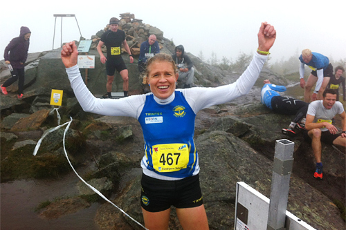 Anne Nevin jubler etter seieren i Trondheims Bratteste 2015. Arrangørfoto.