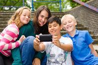 Barn og sosiale medier
