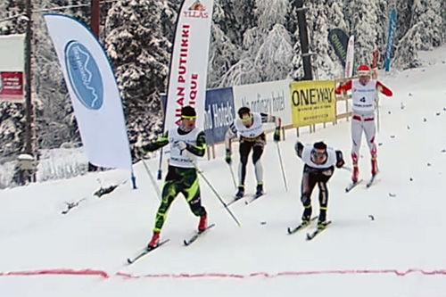 Innspurten i herrenes sprintfinale på FIS-renn i finske Muonio i midten av november 2015. Foto: KestavyysUrheilu.fi