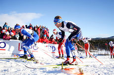 Eirik Brandsdal, nærmest kamera, underveis i et av heatene under Beitosprintens sprint i 2015. I finalen endte det hele med totalseier. Foto: Geir Nilsen/Langrenn.com.