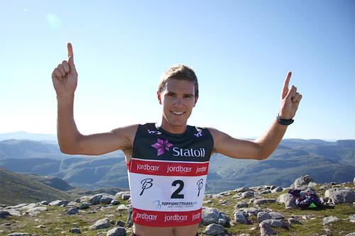 Didrik Tønseth tok sin andre seier på rad i Toppidrettsvekas motbakkeløp, Fonna Opp 2015, på ny rekordtid. Foto: Geir Nilsen/Langrenn.com.
