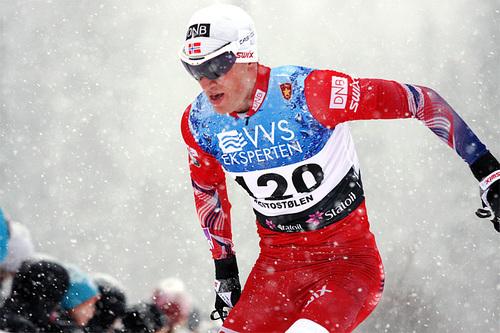 Tarjei Bø ute på 15 kilometer fristil under nasjonal sesongåpning i langrenn på Beitostølen. Det endte med sjetteplass for skiskytteren. Foto: Geir Nilsen/Langrenn.com.