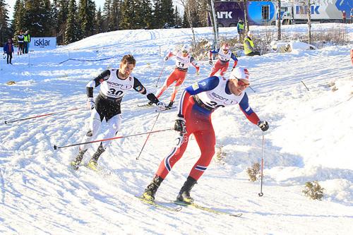 Kvartfinale-heat under sprinten på Beitostølen en tidligere vinter. Fremst Even Northug, som deltar i Meråkerrennet på lørdag, deretter følger brødrene Tomas og Petter. Foto: Erik Borg.