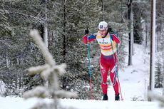 Martin Johnsrud Sundby har stø kurs mot totalseier i den finske minitouren i Kuusamo og Ruka 2015. Her på den avsluttende jaktstarten. Foto: Modica/NordicFocus.