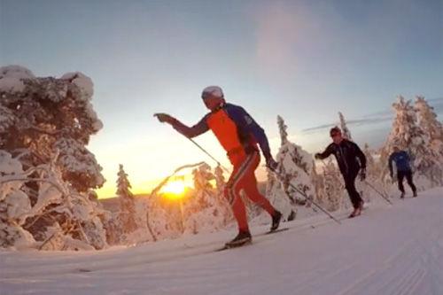 Fra treningsøkt i finske Muonio med Nordlysbyen Ski og Team Finnmark siste helgen i november 2015. Foto: Eirik Dahler/Vimeo.