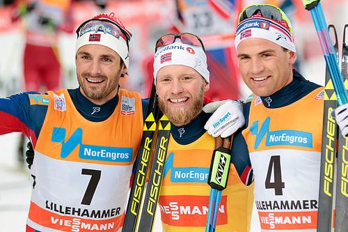 De beste herrene på skiathlon under verdenscupen på Lillehammer 2015. Fra venstre: Hans Christer Holund (3.-plass), Martin Johnsrud Sundby (1) og Niklas Dyrhaug (3). Foto: Modica/NordicFocus.
