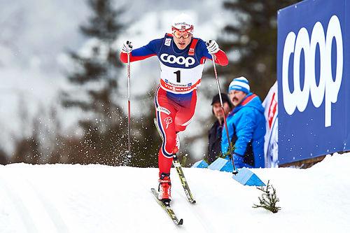 Finn Hågen Krogh ligger best an av de norske løperne på fjerdeplass foran søndagens avsluttende jaktstart i minitouren på Lillehammer. Her fra Tour de Ski forrige vinter. Foto: Felgenhauer/NordicFocus.