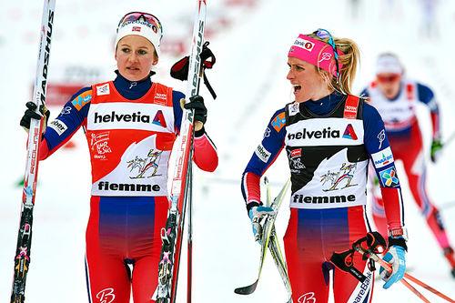 Ingvild Flugstad Østberg og Therese Johaug foran finalen i Tour de Ski 2016. De to har nylig lagt bak seg et tre uker langt høydeopphold i USA. Foto: Felgenhauer/NordicFocus.