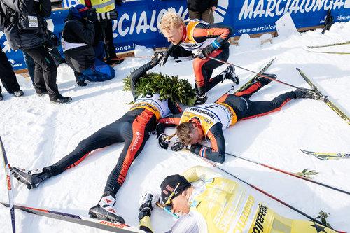 Slitne utøvere etter Marcialonga. Foto: Östh/NordicFocus.