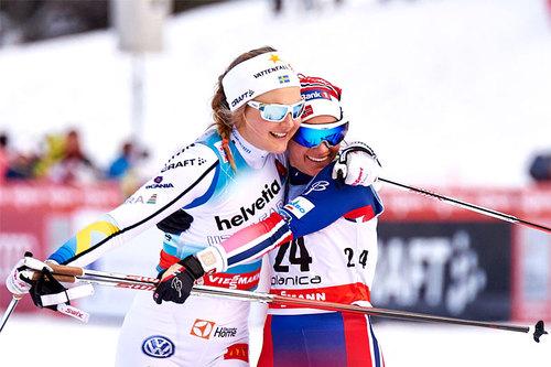 Stina Nilsson og Heidi Weng ble nummer 1 og 3 i sprintfinalen under verdenscupen i Planica 2016. Foto: Felgenhauer/NordicFocus.