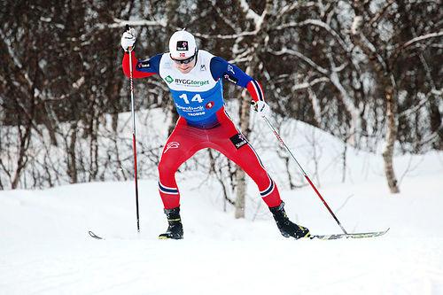 Sindre Bjørnestad Skar vant lørdagens oppgjør i Toblach, søndag spiller han en nøkkelrolle i lagsprinten. Foto: Erik Borg.