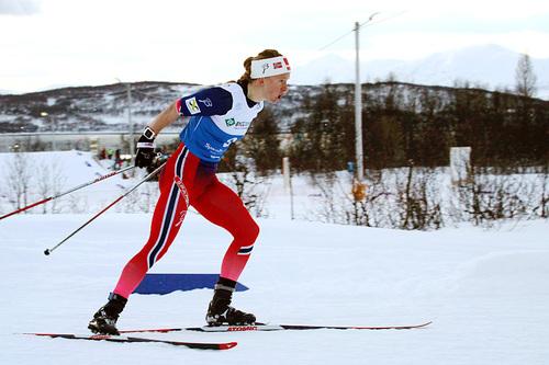 Silje Øyre Slind ute i sprintprologen under NM i Tromsø 2016. Oppdalsjenta tok senere bronsemedalje i NM-sprinten. Nå i helgen ble det seier på sommerføre gjennom Kanalrennet. Foto: Erik Borg.