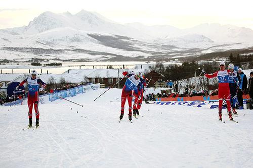 Sindre Bjørnestad Skar (fra venstre), Håvard Solås Taugbøl og Finn Hågen Krogh spurter om seieren på sprint under NM i Tromsø 2016. Det ender med Krogh-seier foran Skar (2) og Taugbøl (3). Foto: Erik Borg.