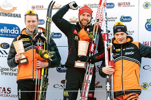 Topp 3 i Marcialonga 2016: (f.v.) Petter Eliassen (2.-plass), Tord Asle Gjerdalen (1) og Stian Hoelgaard (3). Foto: Magnus Östh/Ski Classics.