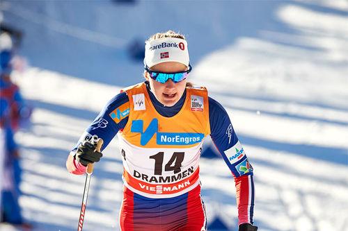 Ingvild Flugstad Østberg på vei mot 2. plass under verdenscupsprinten i Drammen 2016. Foto: Felgenhauer/NordiFocus.
