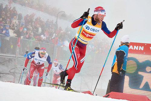 Martin Johnsrud Sundby på vei mot klar seier under 5-mila i Holmenkollen 2016. Foto: Felgenhauer/NordicFocus.