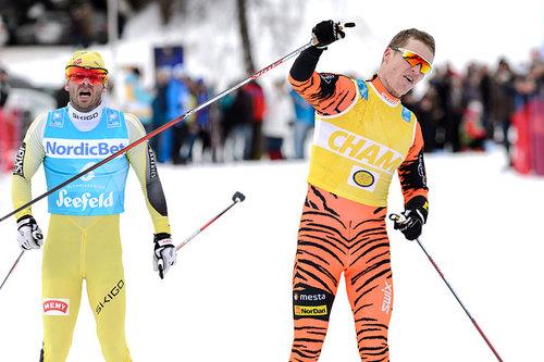 Petter Eliassen best i Alliansloppet 2016 foran Johan Kjølstad. I bildet kaprer han seieren i Kaiser Maximilian Lauf og Ski Classics renn nr. 6 i 2015/2016-sesongen også da foran Johan Kjølstad. Foto: Rauschendorfer/NordicFocus.