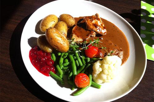 Uten mat og drikke er det umulig å prestere, men er det noen matvarer og dets innhold man bør styre unna, slik som for eksempel gluten? Foto: Geir Nilsen/Langrenn.com.