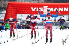 Nikita Kriukov jubler over seier på verdenscupsprinten i Stockholm 2016. På de neste plassene fulgte Ola Vigen Hattestad og Petter Northug. Foto: Felgenhauer/NordicFocus.