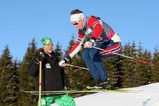 Thomas Helland Larsen på trening foran langrennscrossen i Ungdoms-OL Lillehammer 2016. Foto: Arnt Folvik.