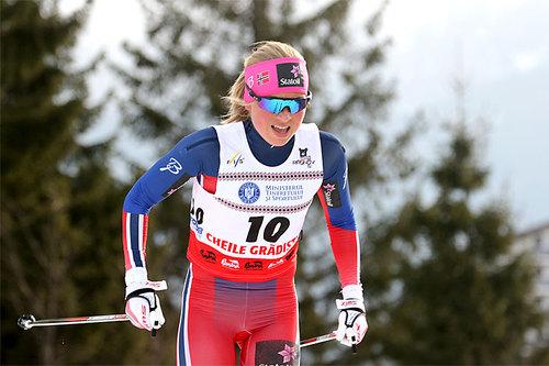 Silje Theodorsen ute på 10 km klassisk under U23-VM i Rasnov og Romania 2016. I mål ble det en 6. plass. Foto: Erik Borg.