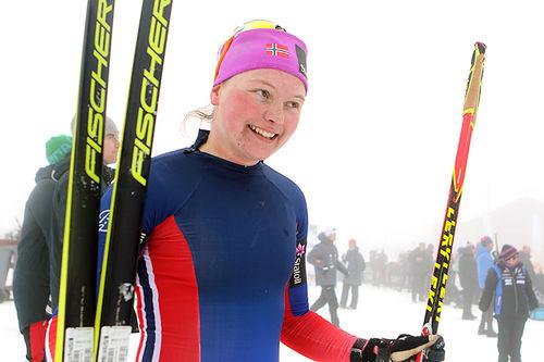 Julie Myhre går fort i skisporet, takket være også andre idretter. Foto: Erik Borg.